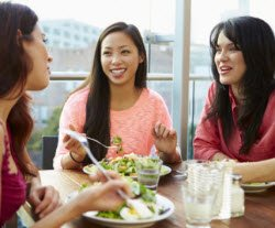 Women eating lunch - 5 Things Every Woman Should Do To Take Care of Her Heart