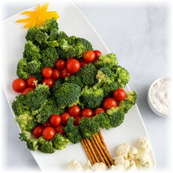 Photo of veggies arranged into a Christmas Tree shape